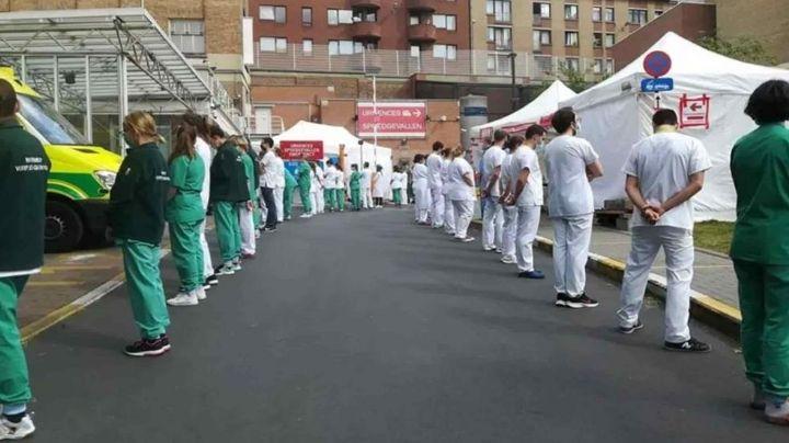 Personal médico le da la espalda a primer ministra en su visita a hospital