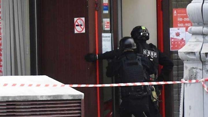 VIDEO: Así se vivió un asalto en banco de Moscú con toma de rehenes y amenaza de bomba