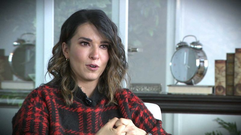 """¿TV Azteca podría correr a Laura G de 'VLA' por 'confirmar' que fue """"amante"""" de Loret en Televisa?"""
