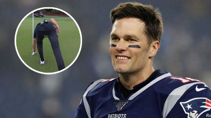 Tom Brady causa la risa de todos por romper su pantalón en juego de golf