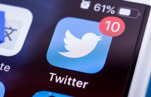 Un club escocés decide por una encuesta de Twitter, el futuro de uno de sus jugadores