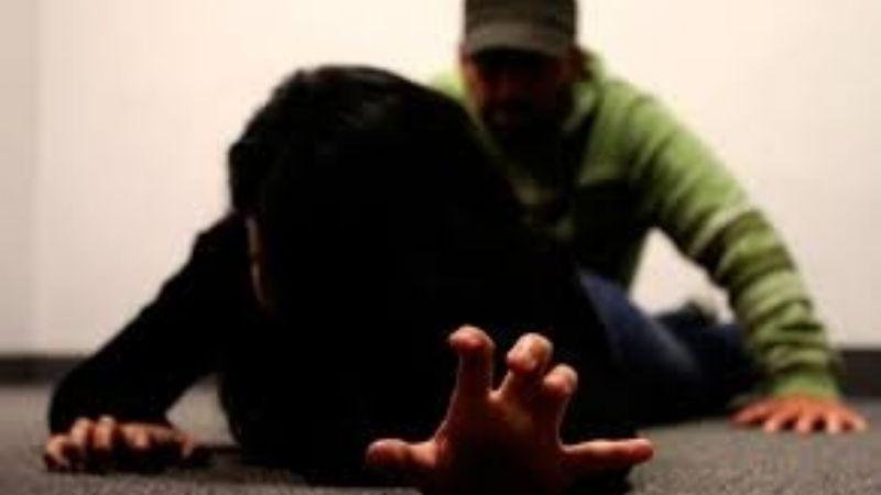 Infierno en casa: Donaciano aprovecha que su esposa no está para abusar de su propia hija