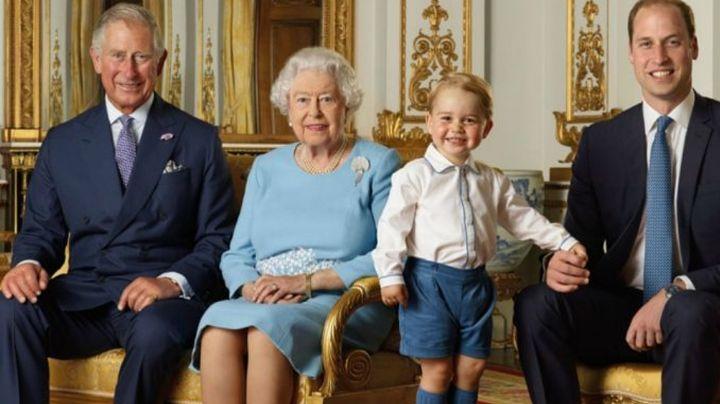 ¿Condiciona el Trono? Reina Isabel II pone en duda a futuro heredero de la Corona