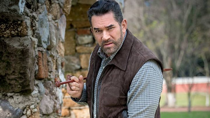 ¡Señor! Eduardo Santamarina 'acalora' la redes: El actor comparte 'candente' FOTO desde Televisa