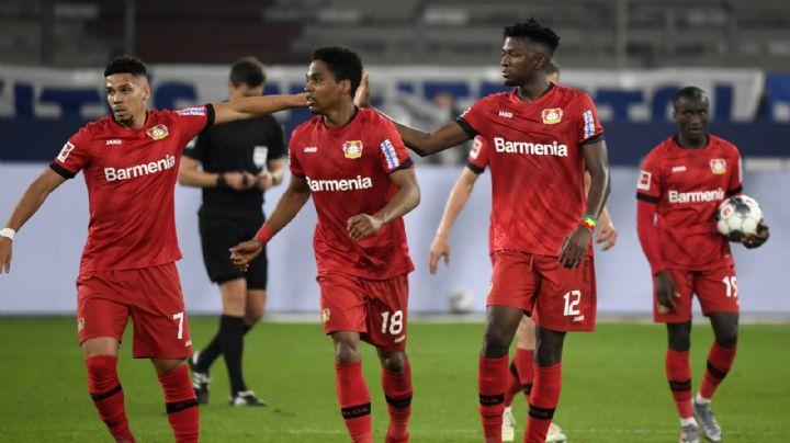 Leverkusen rescata empate con autogol y se acerca al podio de la Bundesliga