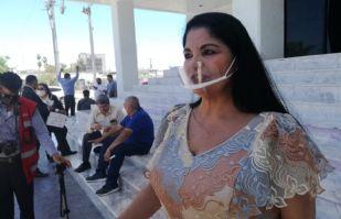 Alcaldesa de Navojoa acude al Congreso a dejar documentos para su defensa