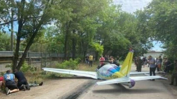 Mueren dos personas en Ucrania tras estrellarse avioneta con un supermercado