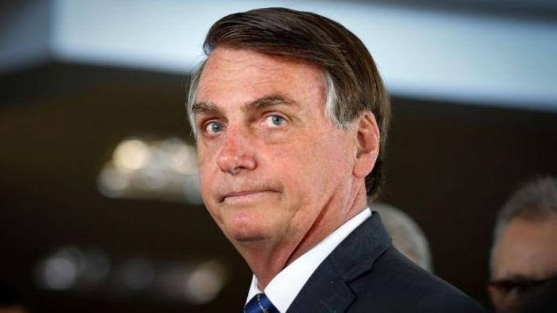"""Bolsonaro considera la reacción por Covid-19 """"exagerada""""; Brasil suma más de 50 mil muertos"""