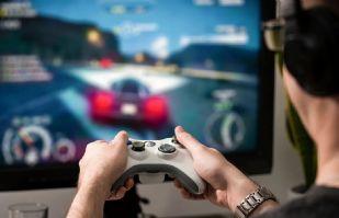 Tras 22 horas al día de videojuegos por un mes, menor de 15 años sufre derrame cerebral en China