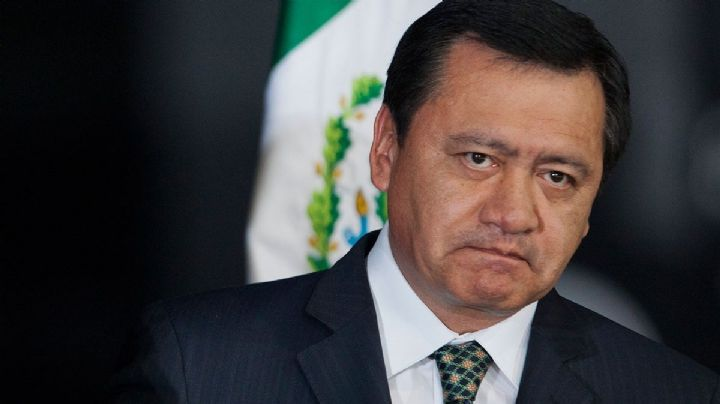 AMLO va ahora por Osorio Chong; la SFP investiga al exfuncionario de epn