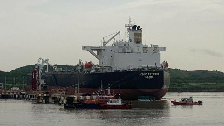 Dos empleados de Pemex desaparecen tras el hundimiento de una embarcación en un río de Veracruz