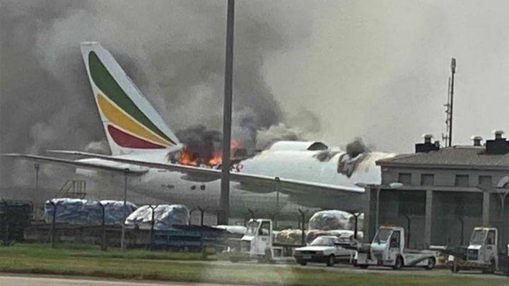 VIDEO: Avión de carga de Ethiopian Airlines se incendia en aeropuerto de Shangai