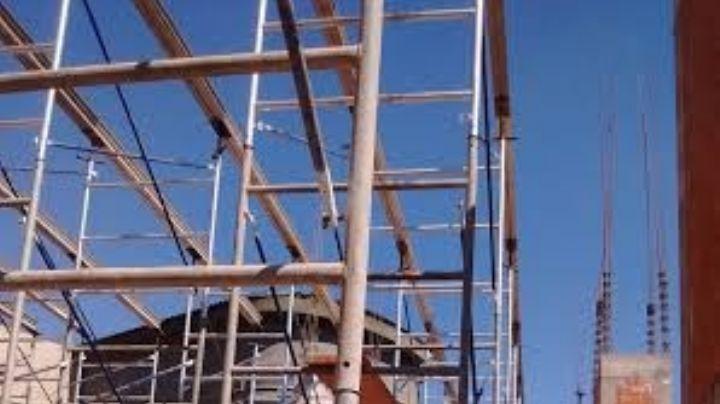 CDMX: Derrumbe en una construcción deja un herido y 42 trabajadores atrapados