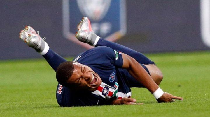 Tras sufrir lesión ¿Mbappé es la nueva víctima de la 'maldición' de la portada de FIFA?