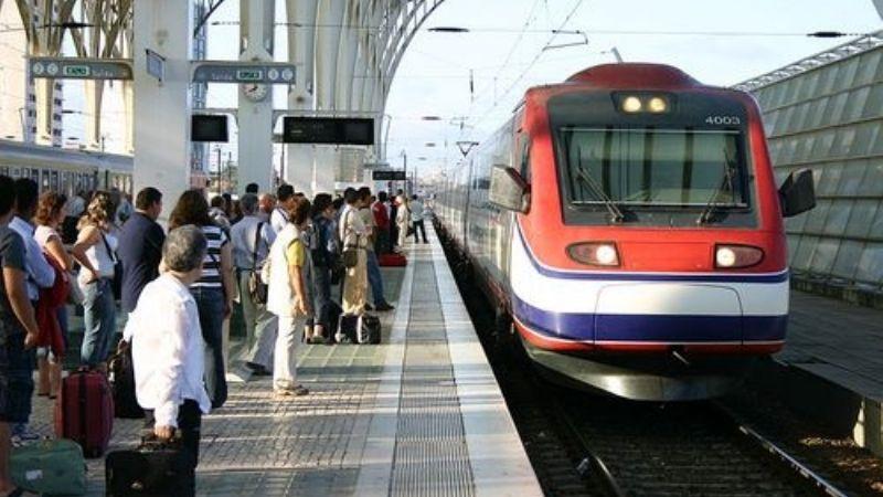 Tren de alta velocidad se descarrila en Portugal; hay dos muertos y 50 heridos