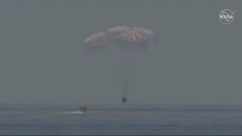 VIDEO: Así fue el aterrizaje del Dragon EndeavourdeSpaceX en las aguas del Golfo de México