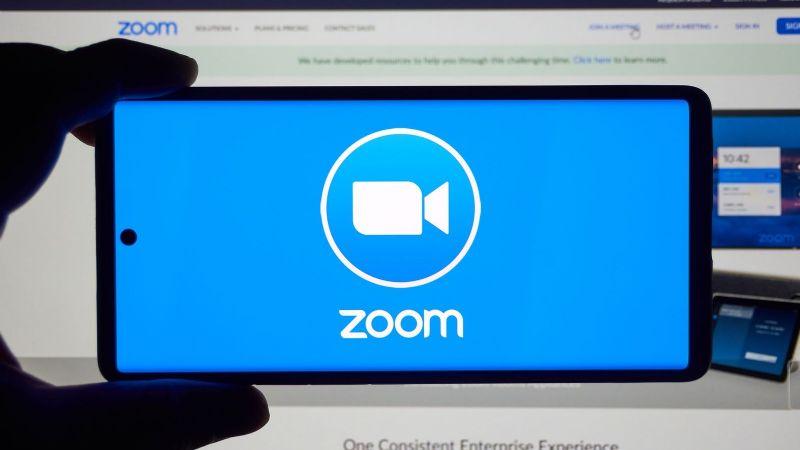 Se retrasa el regreso a clases: Zoom colapsa a nivel mundial e impide el acceso a usuarios