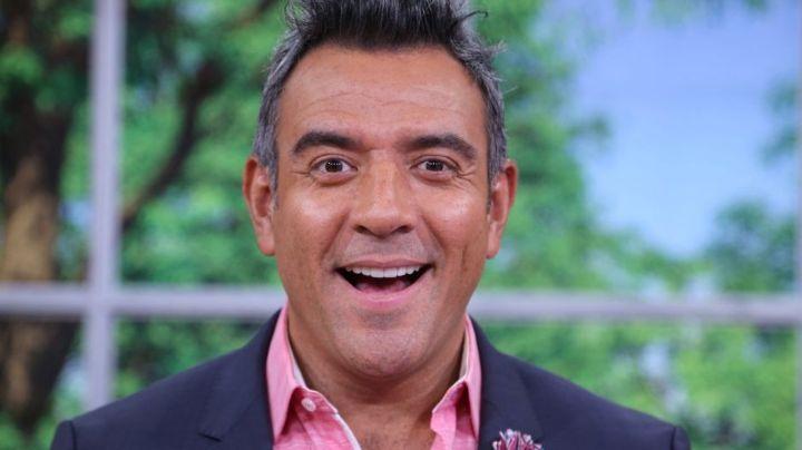 Tras volver a Televisa, Héctor Sandarti exhibe la 'sucia jugada' de Telemundo para despedirlo