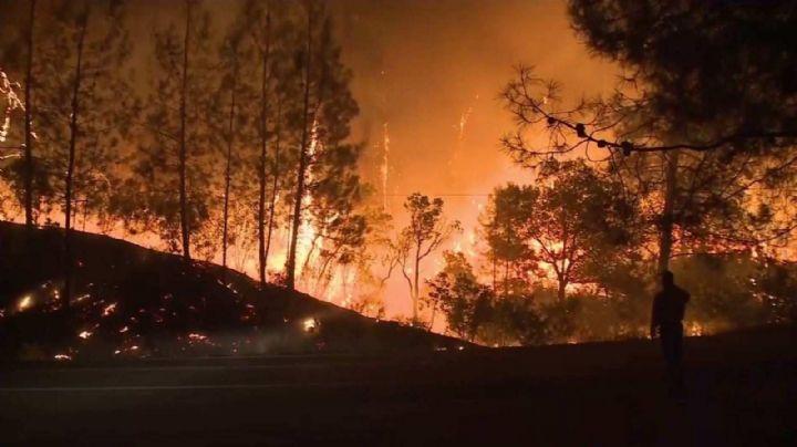 Uno de los incendios que azotan a California deja saldo de 10 muertes