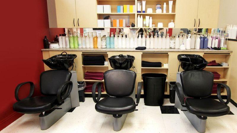 Salón de belleza de Obregón discrimina a ganadora de giveaway por ser de Esperanza