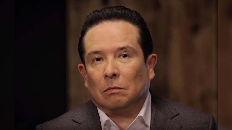 Tiembla Televisa: Gustavo Adolfo Infante reemplaza a querido conductor tras inesperado despido