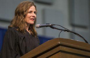 El presidente Donald Trump nomina a la jueza Amy Coney Barrett para la Corte Suprema