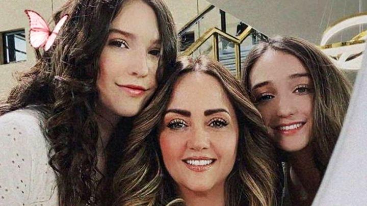 "Andrea Legarreta ""explota de orgullo"" por debut de su hija Nina en telenovela"