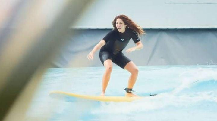 Shakira presume ser una reina de las olas al demostrar su talento para el surf
