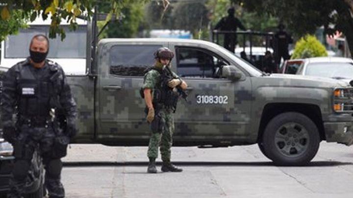 Arrestan a grupo armado en calles de Querétaro; aseguran pistolas y chalecos tácticos