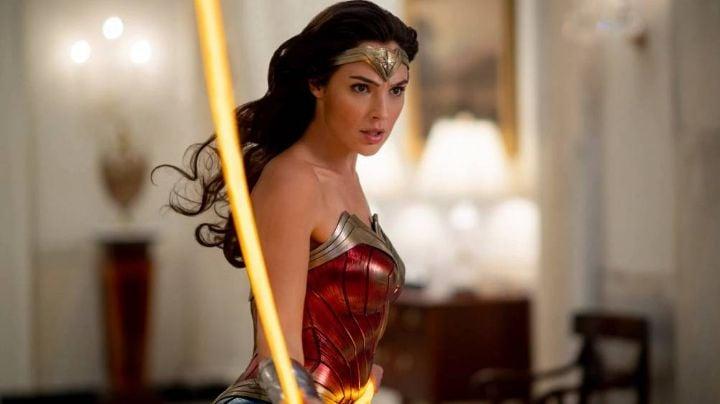 'Wonder Woman 1984' pasa de excelentes críticas a ser destrozada en redes sociales