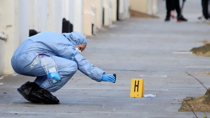 Mujer reporta encontrar un dedo humano y lo que la Policía descubre 'rompe' redes