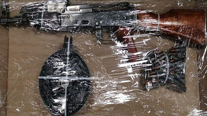 Golpe al narco: Detienen a ocho hombres armados y aseguran arsenal en Caborca