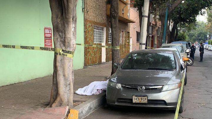 Sujeto es asesinado a golpes por desconocidos en calles de la alcaldía Miguel Hidalgo