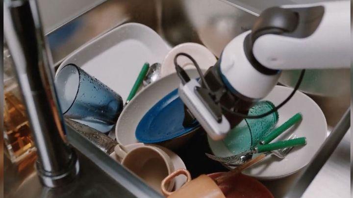 Adiós a lavar trastes:Samsung Bot Handy se encargaría de esta labor y algunas otras