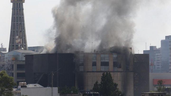 Tras fatídico incendio, CFE inicia reparación de instalaciones de oficinas del Metro de CDMX
