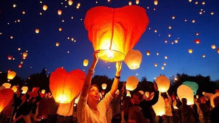 Hombre se viraliza al cumplir los deseos en un globo de una niña de 4 años tras encontrarlo