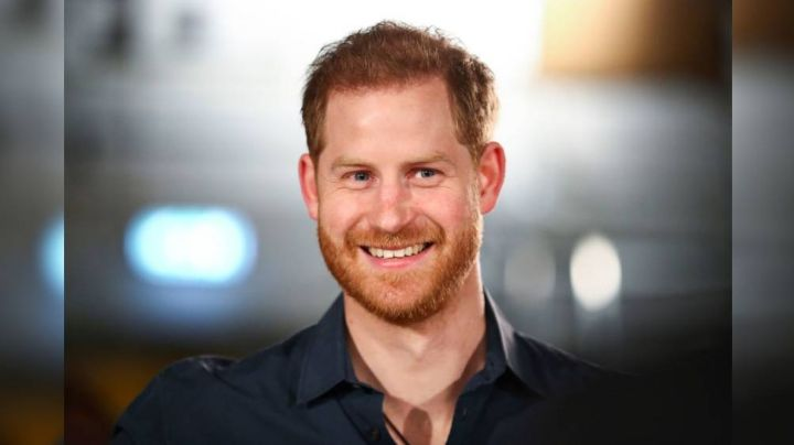 Famoso vecino del Príncipe Harry afirma que luce un irreconocible cambio de 'look'