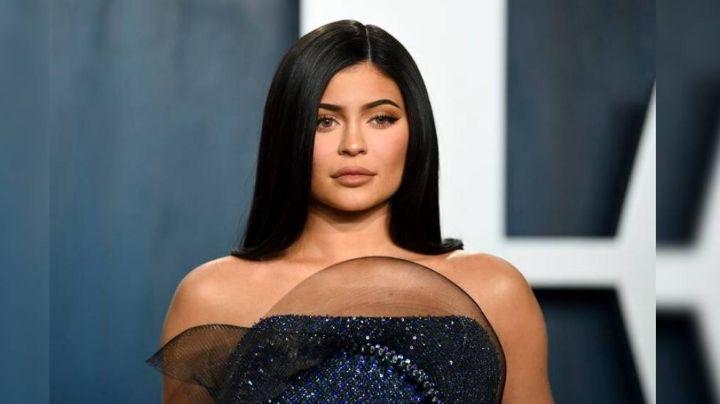 Kylie Jenner desata controversia por aprovecharse de la pandemia con su gel antibectarial