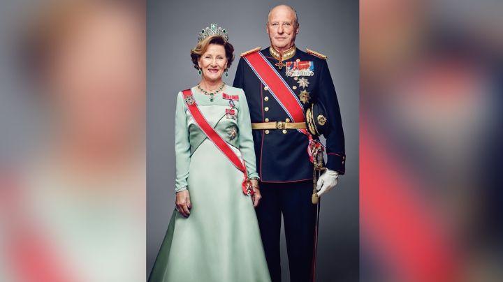 Tras la Reina Isabel II, los Reyes Harald y Sonia de Noruega reciben la vacuna del Covid-19