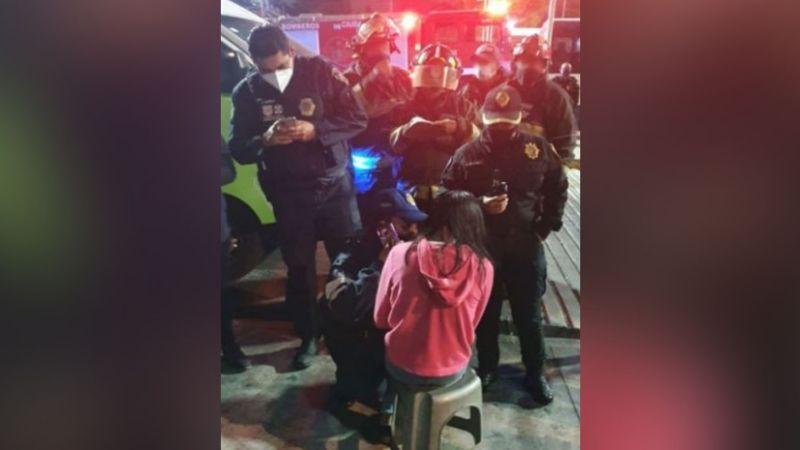 Policías logran evitar que una menor intentara quitarse la vida al lanzarse de un puente