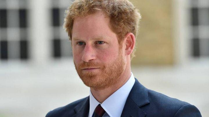 Amigo del Príncipe Harry revela que está devastado por la situación con su familia