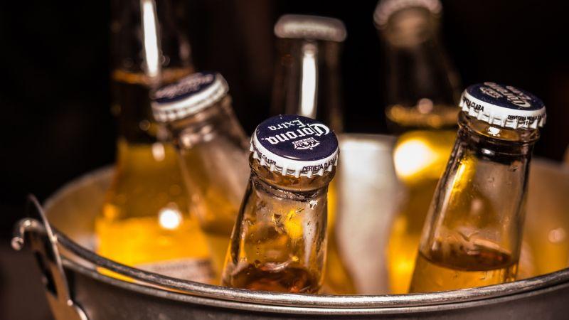 Piden vender cerveza 'al tiempo' en Sonora para evitar contagios de Covid-19