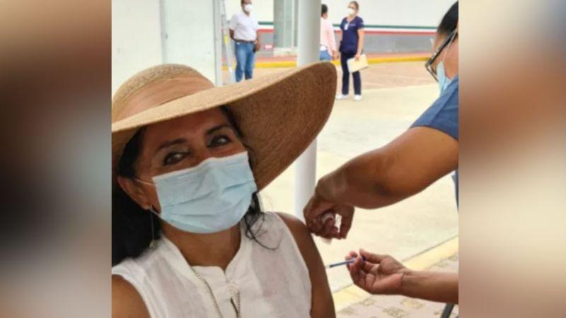 Regidora de Morena en Acapulco desata polémica al vacunarse contra Covid-19