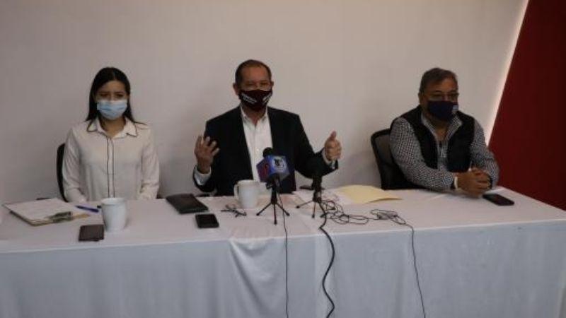 Francisco Vega López desaprueba reelección de diputados de Morena