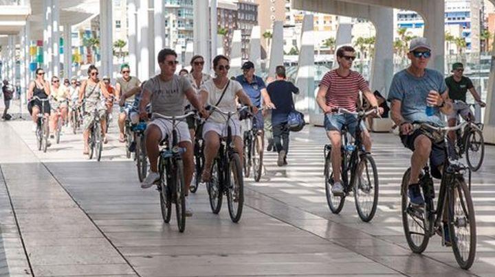 Los grandes beneficios y ventajas de comenzar una rutina de paseos en bicicleta