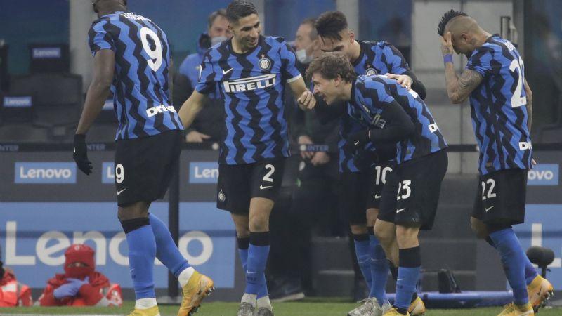 El Inter de Milán se lleva el derby italiano y hunde a la Juventus