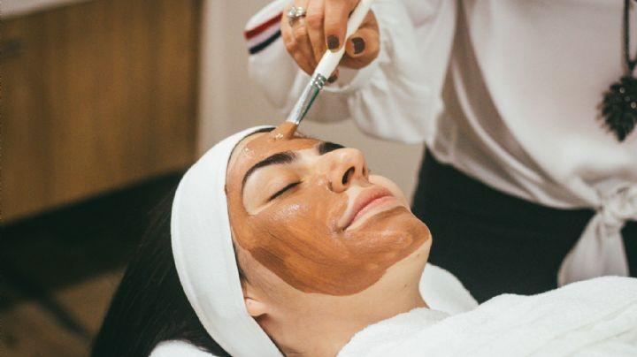 ¡Cuida tu piel grasa! Estas 3 efectivas y sencillas mascarillas caseras la dejarán radiante