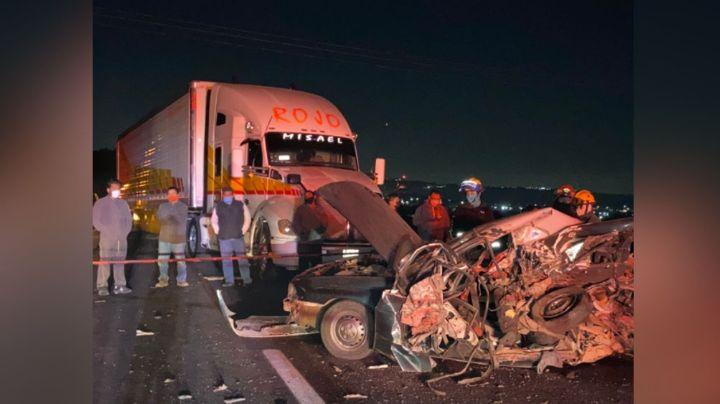 Choque entre tráiler y dos vehículos deja como saldo dos niños y una mujer muertos