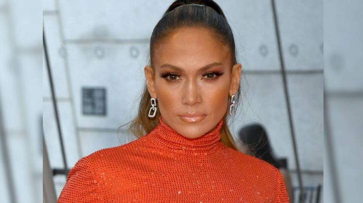 Jennifer Lopez se defiende y responde a un internauta que le acusó de usar botox