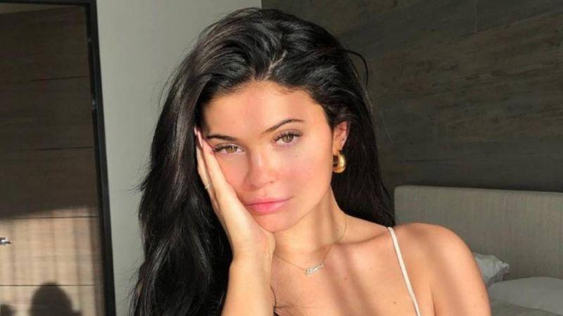 Kylie Jenner presume su regadera y los internautas la 'destrozan' con memes